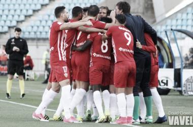 Jugadores del Almería celebran el primero de los goles anotados ante el Numancia. (FOTO: David García - VAVEL)