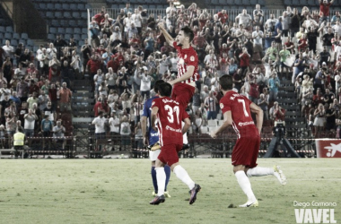 Pozo celebra el gol anotado ante el Oviedo. (FOTO: Diego Carmona - VAVEL)
