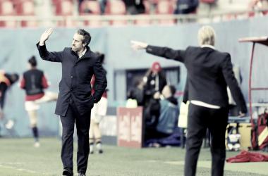 Jorge Vilda dando órdenes a sus chicas / FOTO: FIFA