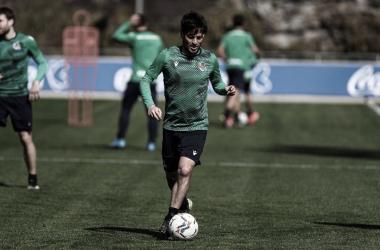 David Silva vuelve a entrenar con el grupo y podría estar ante el Huesca