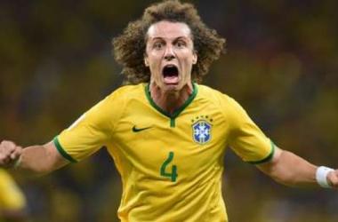 David Luiz, figura y autor de un golazo. (FOTO: olé)