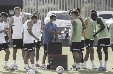 Foto del momento antes de la vacunación del equipo / Foto: Málaga CF