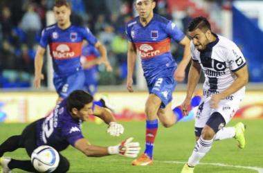 Sebastian D'angelo es abatido en el ultimo partido (Foto Olé)