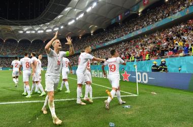 L'esultanza degli svizzeri dopo il gol del 3-3   Foto: Twitter @EURO2020.