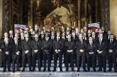 Foto: el plantel francés ante los flashes de los fotógrafos durante la bienvenida a la Copa del Mundo (Zimbio).