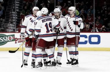 Los Rangers pasan por encima de Montreal y toman ventaja