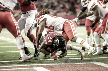 Devonta Freeman dives into the end zone for one of two scores. (Source: @AtlantaFalcons)