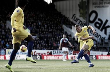 Ross Barkley anotó un golazo desde la frontal del área en el duelo ante el Burnley / Imagen: Premier League