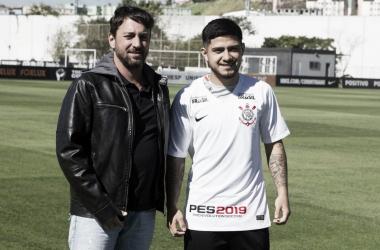 Jogador chega por empréstimo até o final de 2019 (Foto: Daniel Augusto Jr./Corinthians)