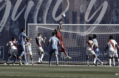 Los errores defensivos privan al Rayo de la victoria