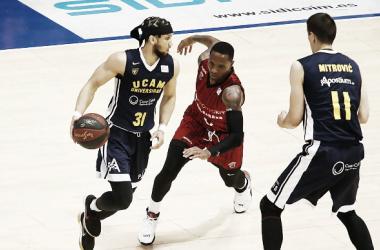 Rowland con Booker y Mitrovic / ACB.COM