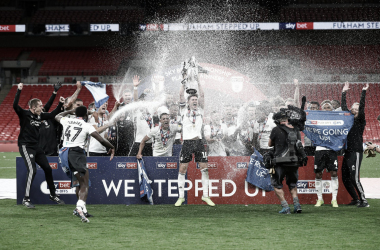Com dois gols de Bryan na prorrogação, Fulham vence Brentford e retorna à Premier League