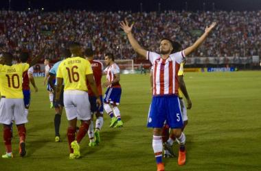 Ecuador tuvo que luchar contra la falta de precisión en su juego, el resultado y un mal arbitraje. Foto@ABCDeportes