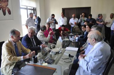Los miembros fundadores del Xerez Deportivo FC en la notaría / Foto: El Desmarque Jerez