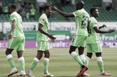 Gran participación en equipo de Wolfsburg en el estadioSportpark Ronhof | Foto: Wolfsburg