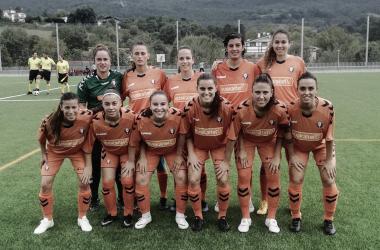 Las futbolistas del primer equipo previo a un partido // Fuente: Osasuna