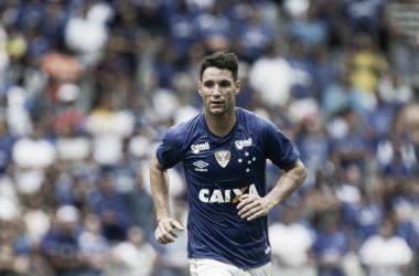 Thiago Neves liderou o Cruzeiro à vitória contra o Tupo (Foto: Cristiane Mattos/Light Press)