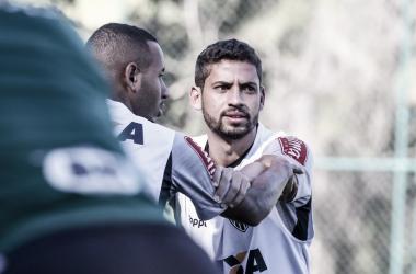 Zagueiro atuou ao lado de Maidana (Foto: Bruno Cantini/Atlético-MG)