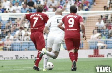 Fotos e imágenes del Real Madrid Legends - Liverpool Legends, del Corazón Classic Match