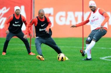 Para se aproximar dos líderes, Inter encara Botafogo no Maracanã