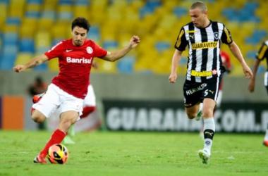 Em jogo de seis gols, Botafogo e Inter empatam no Maracanã