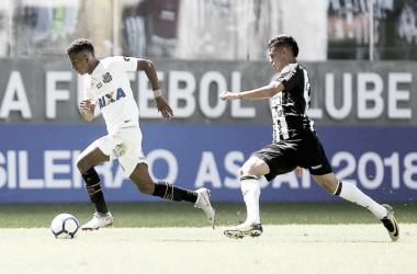 Ricardo Oliveira marca duas vezes e Atlético-MG bate Santos no Independência