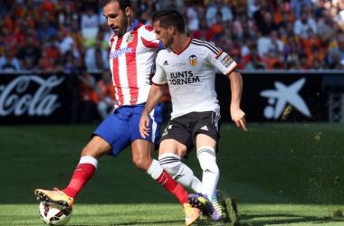 Gámez debutó con el Atlético y Cerci fue expulsado