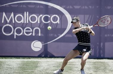 Garcia mantém embalo, bate Azarenka e avança em Mallorca