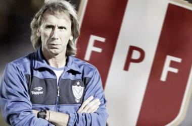 Ricardo Gareca tuvo su primera experiencia en el Perú al ser entrenador de Universitario en 2007. Foto: elcomercio.pe