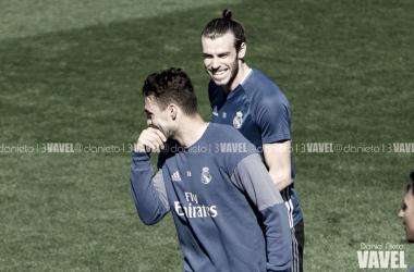 Gareth Bale junto a Kovacic en un entrenamiento. Fuente: Daniel Nieto/ Vavel