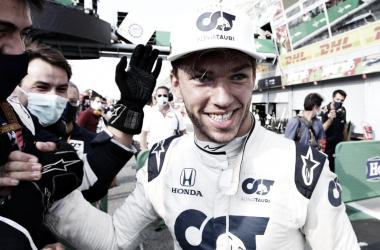 A primeira nunca esquecemos! Gasly celebra vitória em Monza e detalha disputa com Sainz
