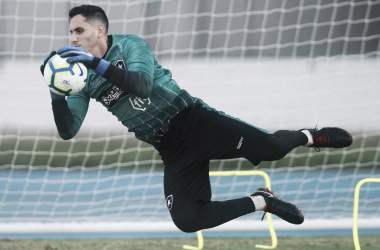 """Gatito mostra confiança para partida contra o Sol de América: """"Foco é total nesse jogo"""""""