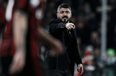 Mesmo com boa atuação, Gattuso demonstra incômodo com erro de Çalhanoglu (Foto: Divulgação/AC Milan)