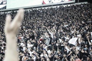 Torcida promete manifestações caso não haja um parecer da diretoria (Foto:Bruno Teixeira/Agência Corinthians)