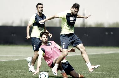 Saunier, Jean Carlos y Puertas   Foto (sin efecto): Pepe Villoslada / Granada CF