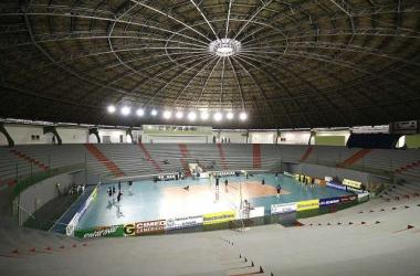 Novo time de Maringá se apresenta para Superliga 2013/14