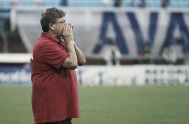 Geninho explica que houve mais coração do que técnica e que faltou calma para definir o jogo (Foto: Jamira Furlani/Avaí FC)
