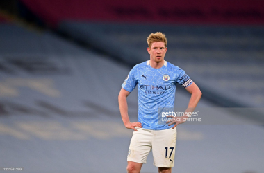 <div>Manchester City's Belgian midfielder Kevin De Bruyne reacts to their defeat on the final whistle in the English Premier League football match between Manchester City and Manchester United at the Etihad Stadium in Manchester, northwest England, on March 7, 2021. - Man Utd won the game 2-0.&nbsp; (Photo by LAURENCE GRIFFITHS/POOL/AFP via Getty Images)</div>
