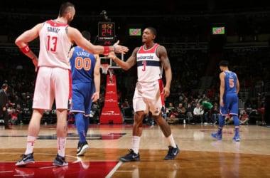 John Wall e Michael Beasley in azione durante una partita tra Knicks e Wizards - Twitter