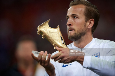 Kane with his World Cup Golden Boot. (Photo: Getty Images/QSI)