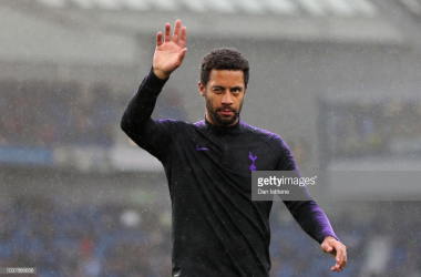 Dembele waves to the Spurs fans. (Photo: Getty Images/Dan Istitene)