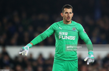 Martin Dubravka of Newcastle United in action during the Premier League match between Everton FC and Newcastle United at Goodison Park on December 05, 2018 in Liverpool, United Kingdom. (Photo by Matthew Lewis/Getty Images)<br>