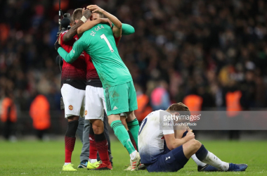 Kane left injured after defeat. (Photo: Getty Images/Mark Leech)