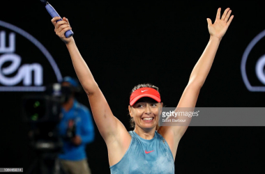 Sharapova is all smiles after ending Wozniacki's title defense/Photo: Scott Barbour/Getty Images