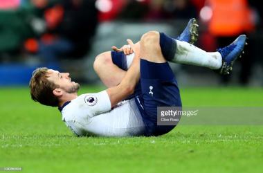 Kane nursing injury on Sunday. (Photo: Getty Images/Clive Rose)