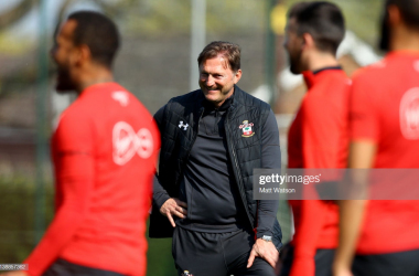 Hasenhuttl watches over training. | Source: Matt Watson / Getty