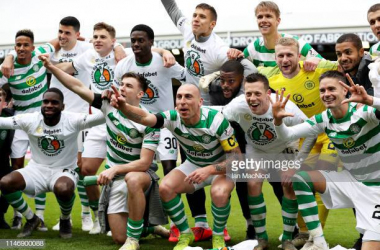 Celtic celebrating eight in a row (Getty Images/Ian MacNicol)