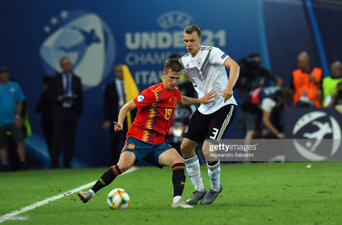 Dani Olmo in action for La Roja (Image from Getty Images/Alessandro Sabattini)