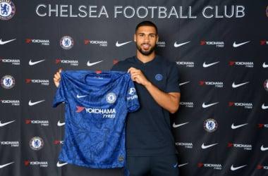 Loftus Cheek signing a contract extension at Stamford Bridge/Photo Credit- Darren Walsh