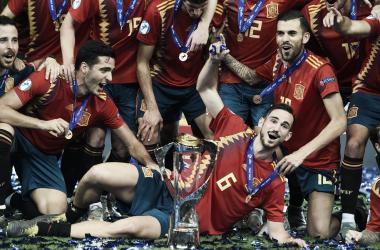 Fabián, Ceballos y compañía festejan el campeonato europeo / Foto: (Getty-UEFA)